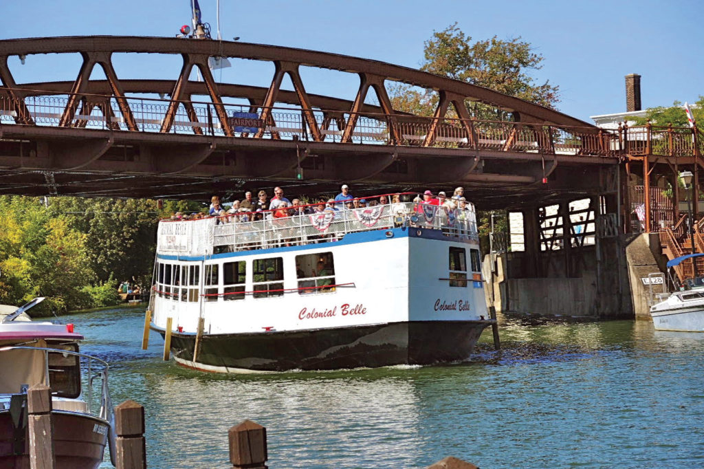 Erie Canal Cruise Boat